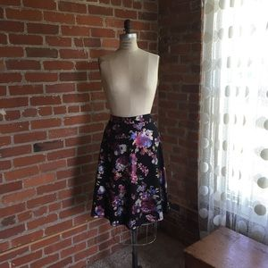 Gorgeous Floral Scuba Knit Skirt L